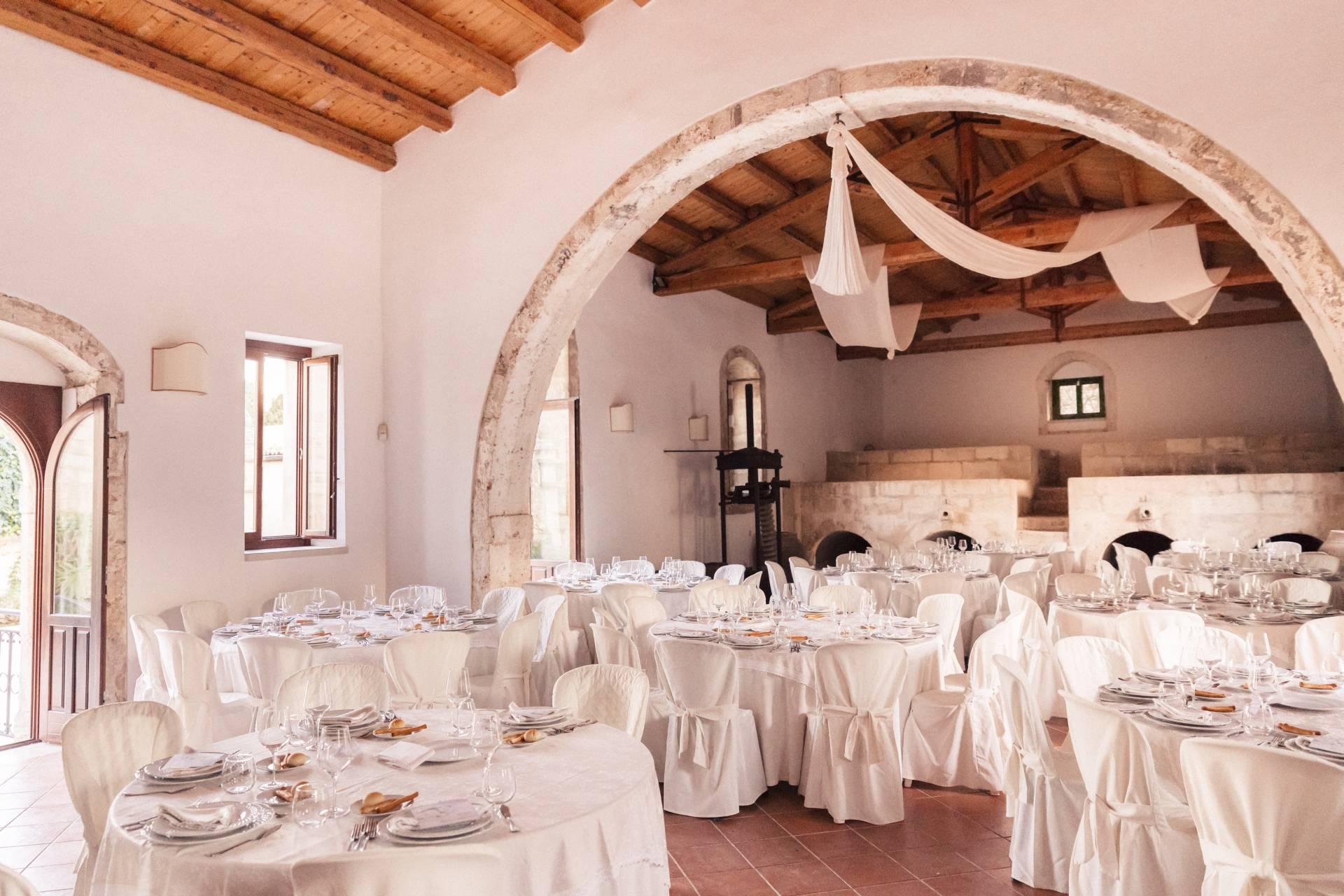 Antico Palmento con tavoli e allestimento